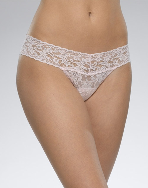 Hanky Panky Signature Low Rise Lace Thong in Bliss Pink